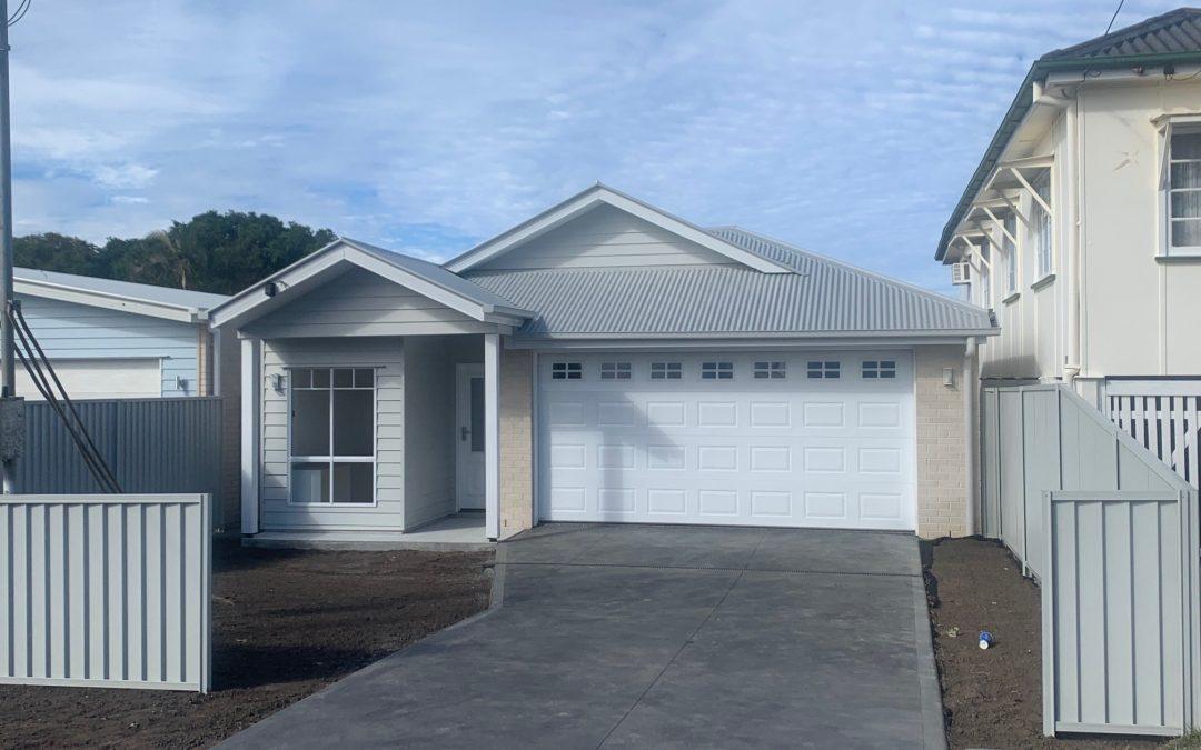 318 Scarborough Road, SCARBOROUGH  QLD  4020